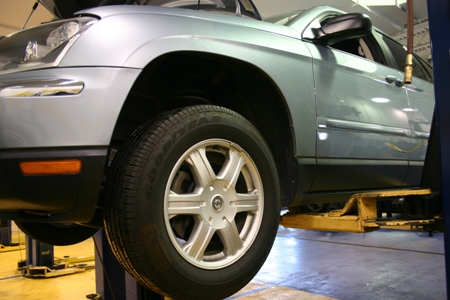 Brake Bleeding – Gravity, Manual and Vacuum Bleeding