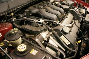Ford_Taurus_3.0_DOHC_Engine