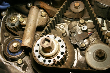 Denlors Auto Blog » Blog Archive » Timing Belt Replacement 2.4 Mitsubishi – Questions and Answers