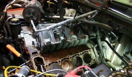 Dodge Cylinder Head 4.7 4.7_head_gasket_job_2