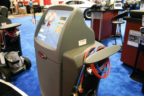 Automotive A C Machines And Charging Scales